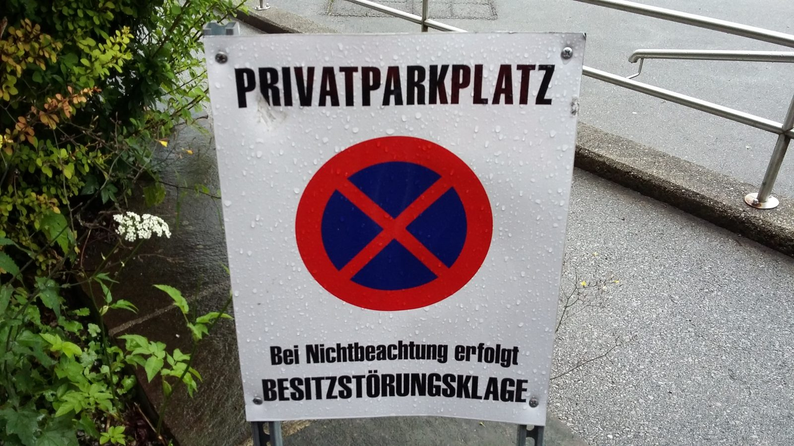 Servicepionier_Servicekomplize_Armin_Nagel_Orte_des_Grauens_Parkplatz (15)