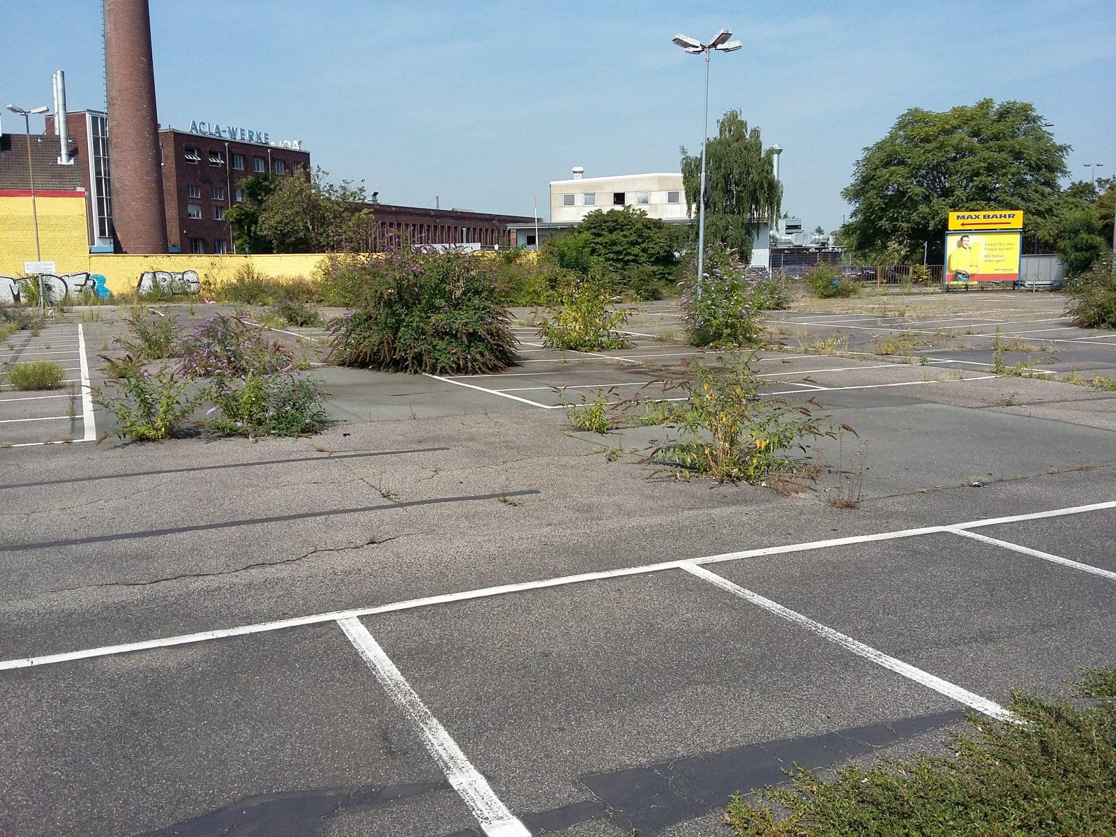 Servicepionier_Servicekomplize_Armin_Nagel_Orte_des_Grauens_Parkplatz (24)