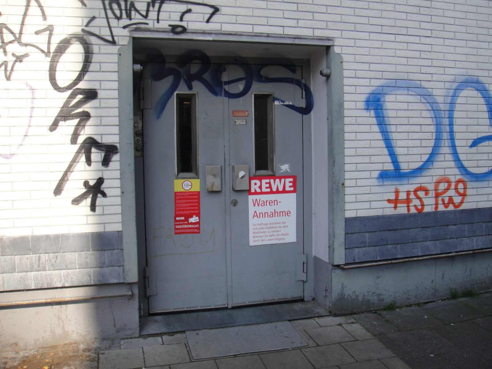 Servicepioniere_Servicekomplizen_Orte_des_Grauens_Armin_Nagel (6)