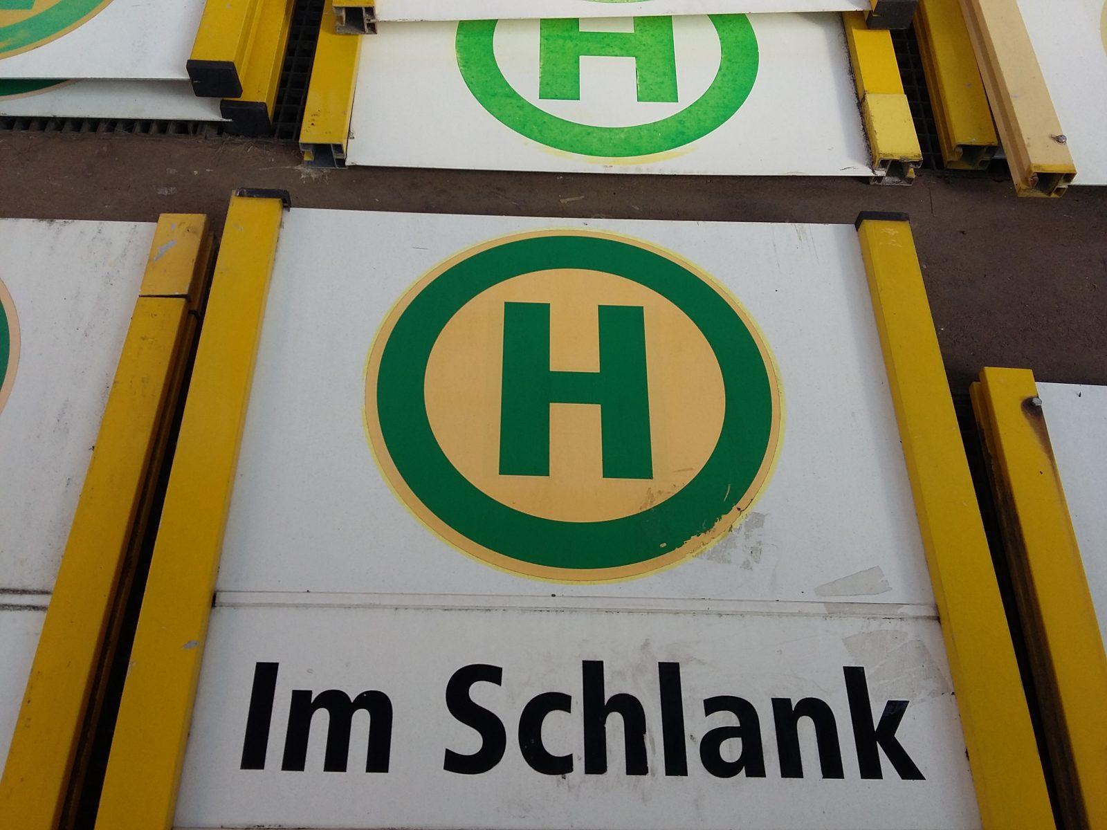 Strassenbahn_Schild_Servicekomplizen