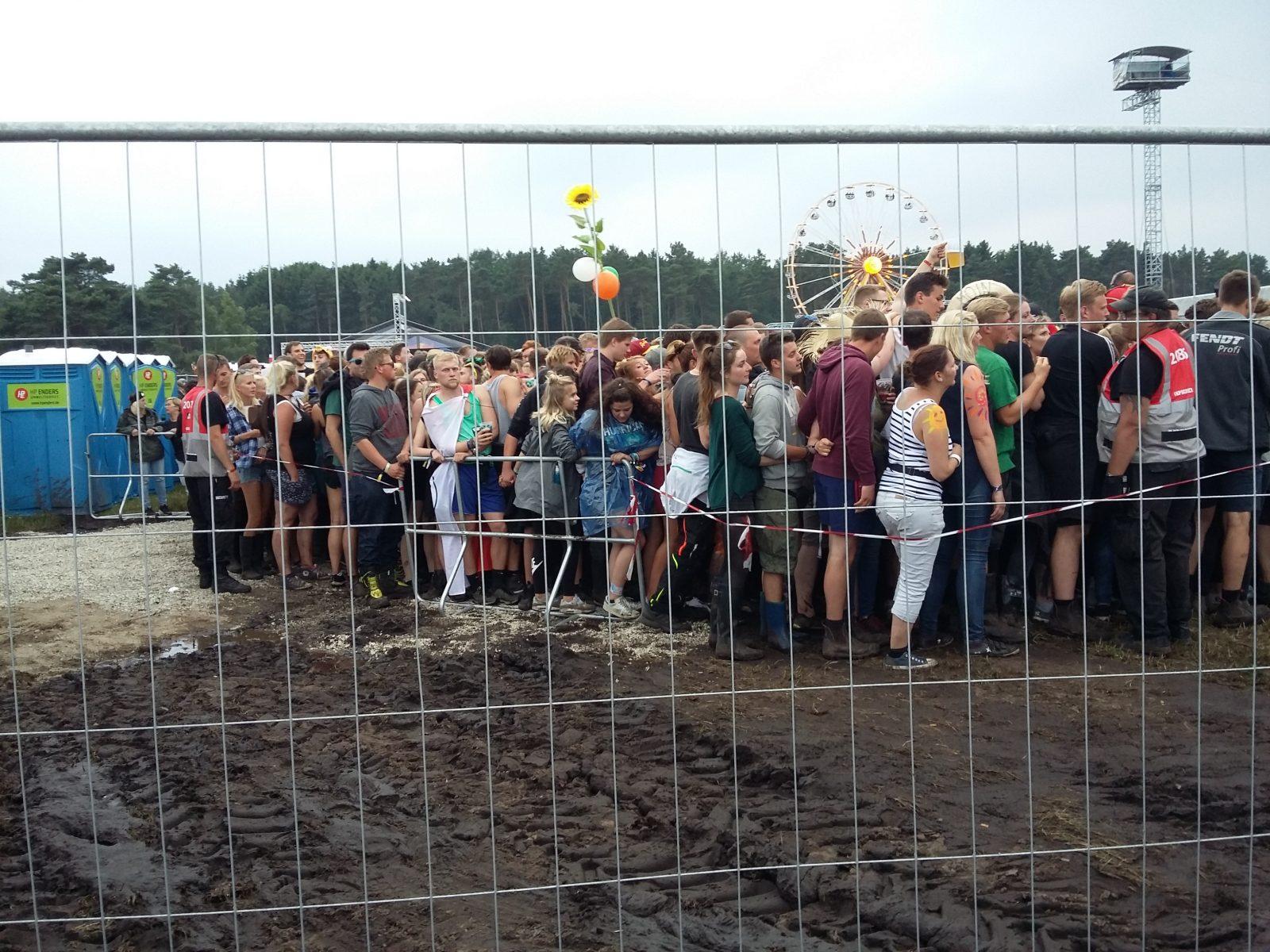Warteschlange_Horror_Festival